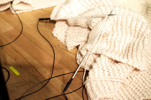 'Killing Time' prepared knitting needles - JobinaTinnemans